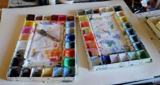 Watercolour palettes.