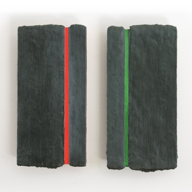 Harm Ronald Maris // Two piece relativity in red green // 32 x 15 x 4 cm each // oil and encaustic on wood // 2013